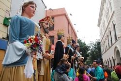 Els gegants de Capellades, els d'Igualada i els de Molins de Rei a la plaça de la Vila, l'any passat.